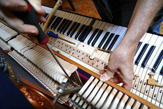 Réparateur d'instruments de musique