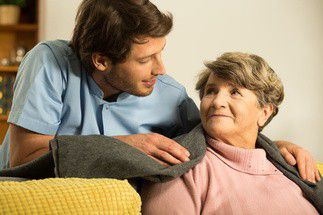 Auxiliaire de vie en maison de retraite