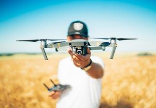 pilote de drone comment devenir pilote de drone m tier formation salaire l4m