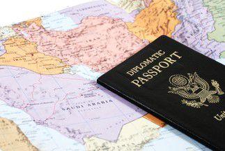 Comment Devenir Ambassadeur Informations Formations Et Salaires