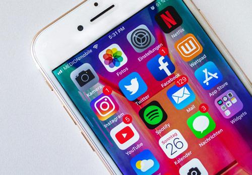 Comment se fait l'utilisation mobile des réseaux sociaux ?
